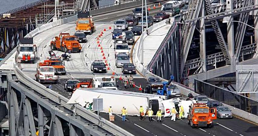 s curve crash bay bridge